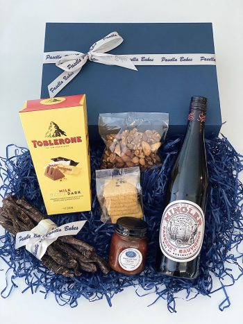 Red Wine & Nibbles Gift Box